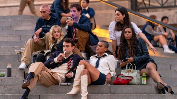 """Reboot de """"Gossip Girl"""" ganha pôster inédito"""
