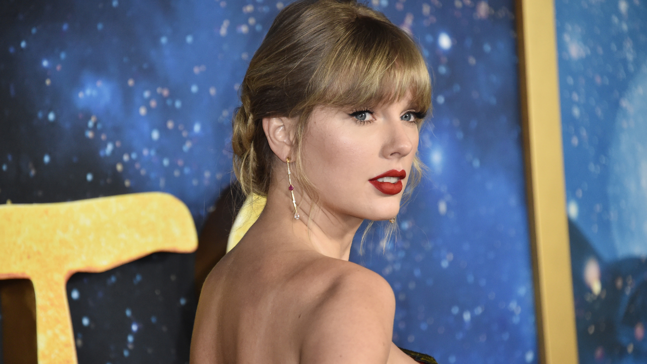 """Taylor Swift revela data para regravação de """"Red"""""""