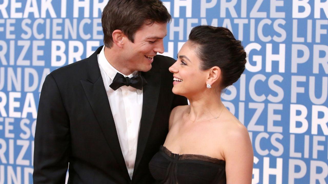 Ashton Kutcher e Mila Kunis causam na internet depois de revelarem (a falta) de rotina de banho