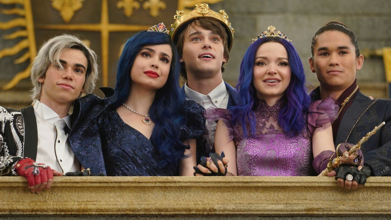 """Teaser de """"Descendentes – O Casamento Real"""" cita ausência de Cameron Boyce: """"Ligados para sempre"""""""