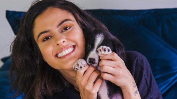 Influenciadora Hana Khalil posta vídeo sobre importância de adotar animais