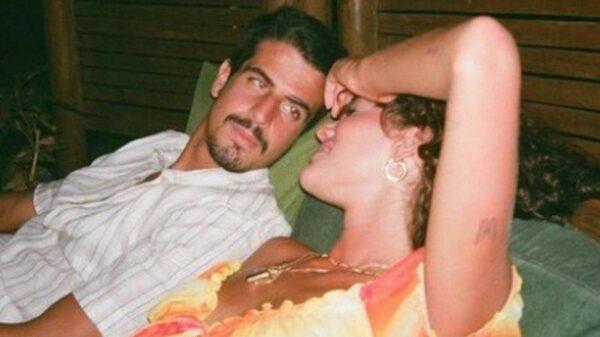 apos rumores sobre termino de namoro bruna marquezine comenta na foto de enzo celulari