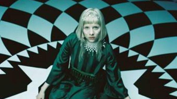 """Aurora retorna com tudo ao lançar o single """"Cure For Me"""""""