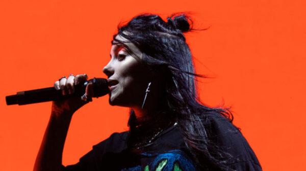 """Billie Eilish revela que """"Happier Than Ever"""" tem influências de Tom Jobim"""