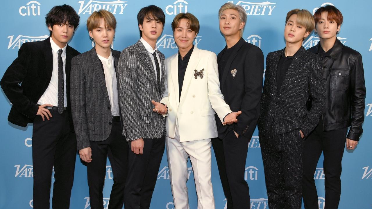 """BTS realiza performance de """"Butter"""" no festival Music Day no Japão"""