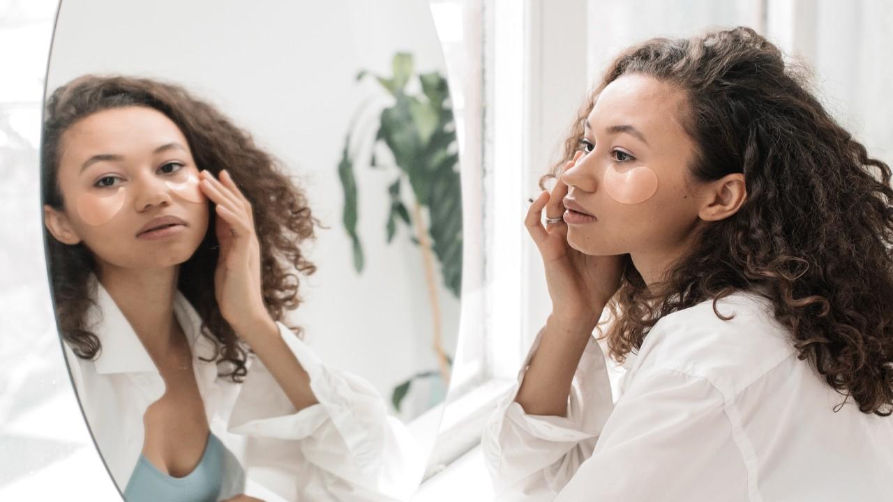 Conheças os mitos e verdades sobre os cuidados com a pele seca