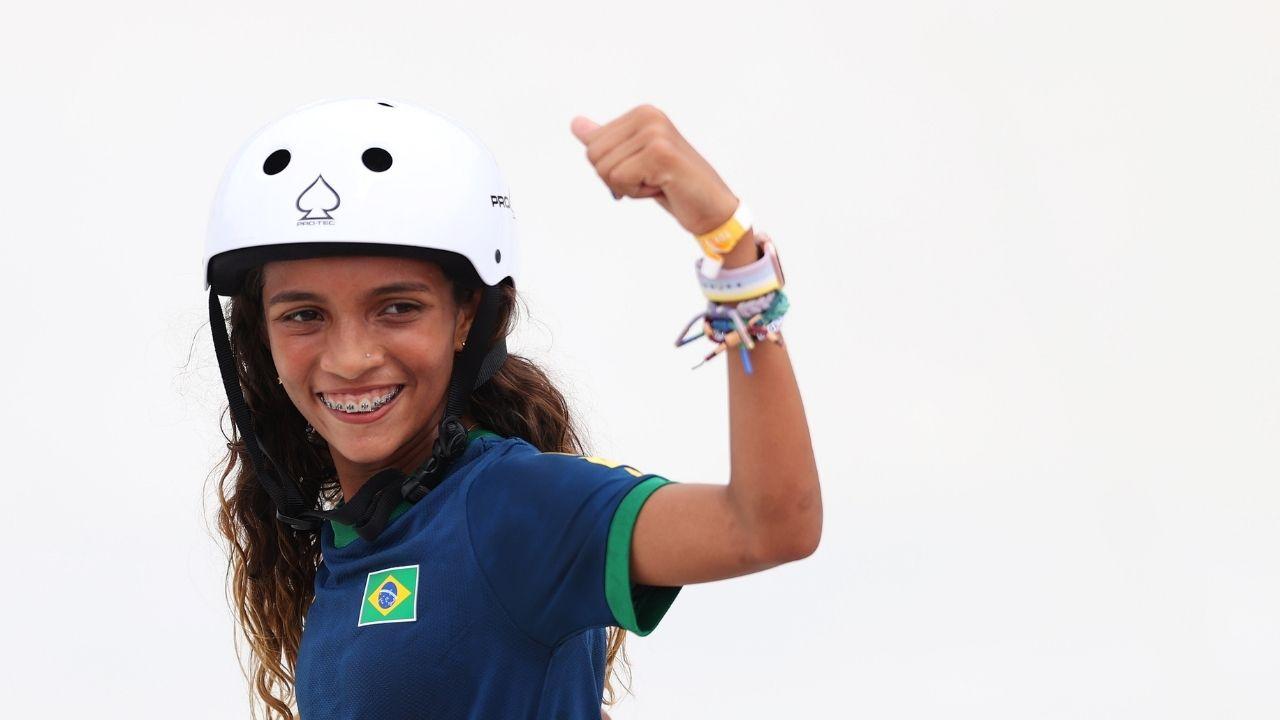 Rayssa Leal faz história nos Jogos Olímpicos e é prata no skate