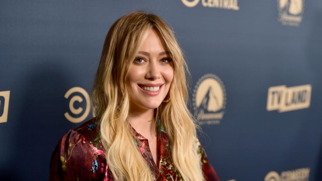 Hilary Duff conta detalhes de situação complicada que deixou seu cabelo verde