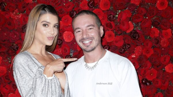 J Balvin e modelo Valentina Ferrer anunciam nascimento do primeiro filho