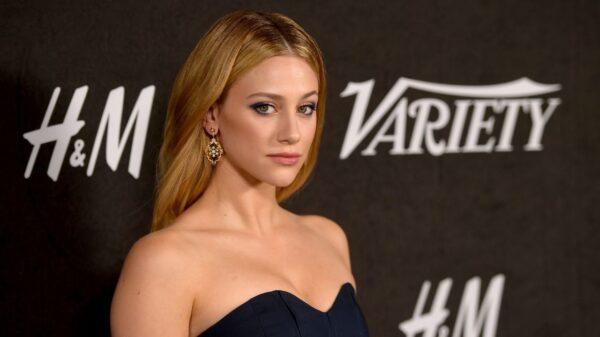"""Lili Reinhart nega acusações de regras impostas por ela no set de """"Riverdale"""""""
