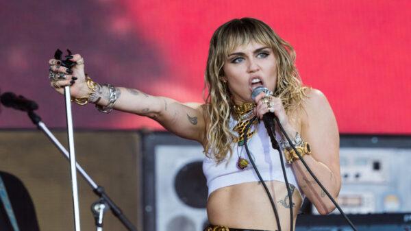 Miley Cyrus anuncia que já está gravando um novo álbum