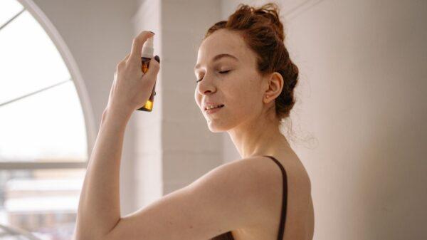 Conheça todos os benefícios do óleo de jojoba para o cabelo