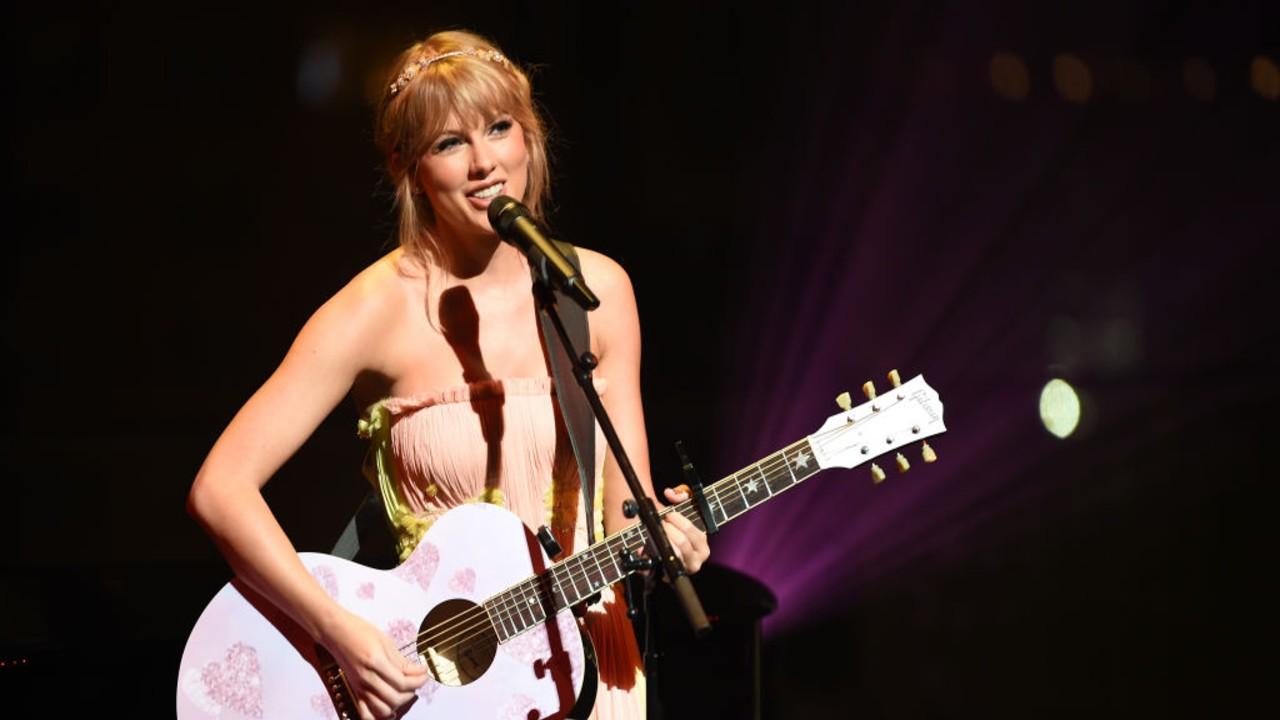 Taylor Swift emplaca três discos na lista de mais vendidos dos EUA, segundo Forbes
