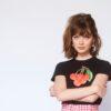 """Maisie Peters lança o álbum de estreia """"You Signed Up For This"""""""