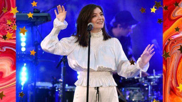 """Lorde revela que o single """"Mood Ring"""" será lançado nesta terça (17)"""