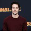 """Dylan O'Brien é confirmado como protagonista na sátira """"Not Okay"""""""