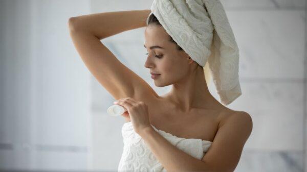 Desodorante sem alumínio e parabenos: saiba como fazer cosmético menos agressivo para a pele