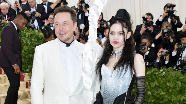 Elon Musk e Grimes se separaram, segundo site