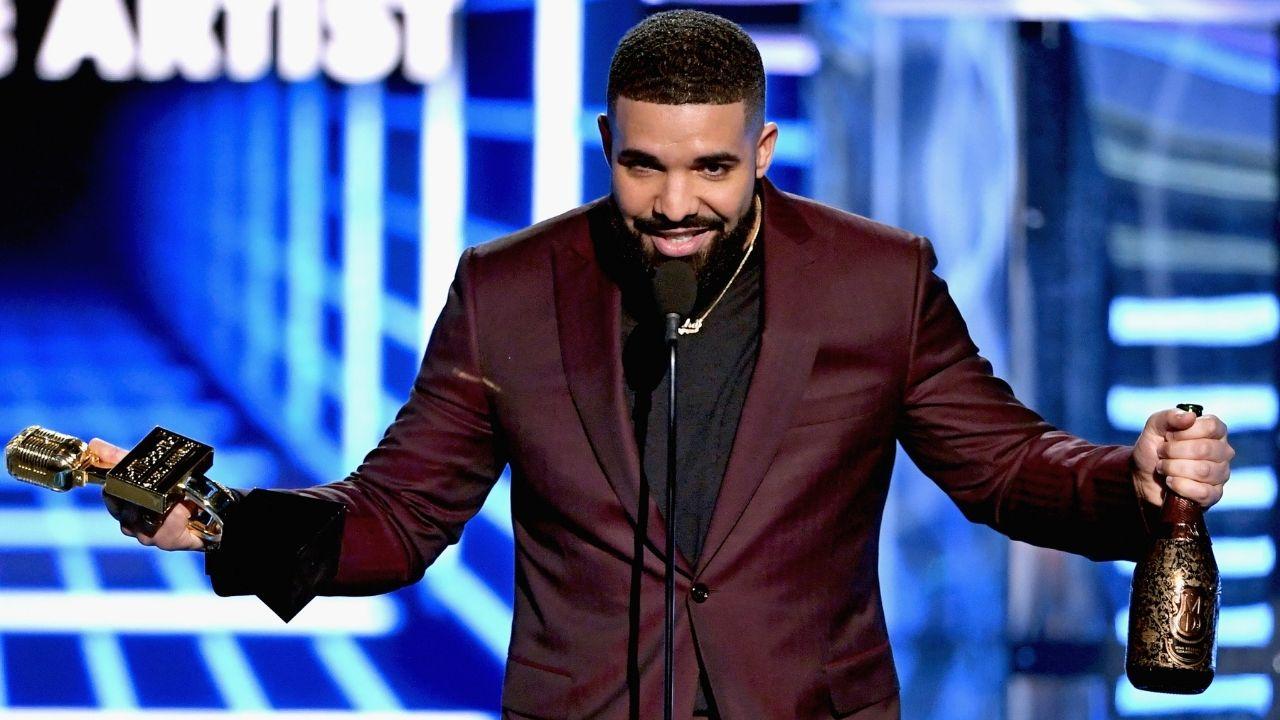 Drake faz história e coloca nove músicas no topo da Billboard