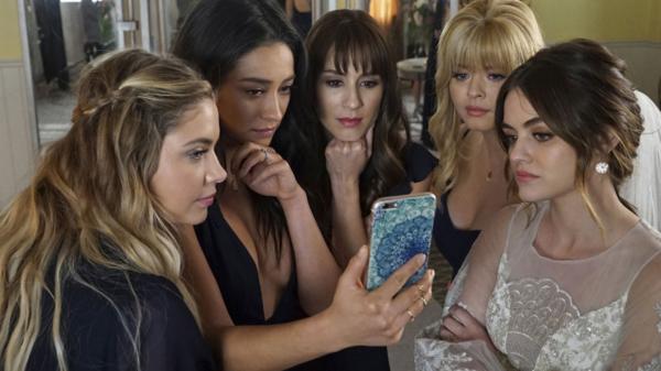 """Reboot de """"Pretty Little Liars"""" ganha novas atrizes para o elenco"""