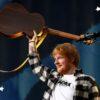 """Ed Sheeran lança versão acústica de """"Shivers"""""""