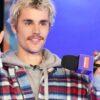"""Lançamento triplo! Justin Bieber apresenta o clipe de """"Ghost"""", a versão deluxe de seu último álbum e documentário na Amazon Prime"""