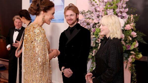 Billie Eilish conta detalhes de encontro com a Família Real
