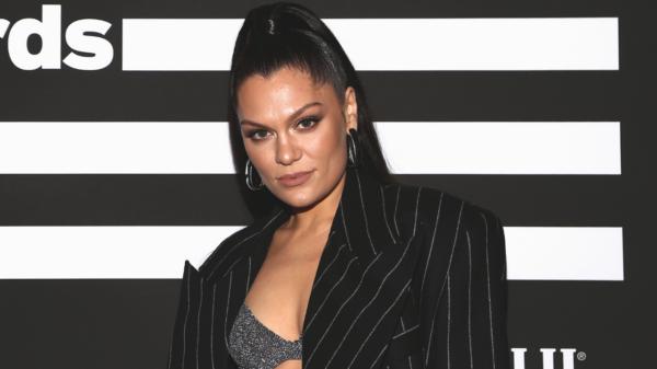 Jessie J revela problemas nas cordas vocais que a impede de cantar
