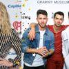 Nick Jonas aumenta rumores sobre parceria entre Taylor Swift e Jonas Brothers