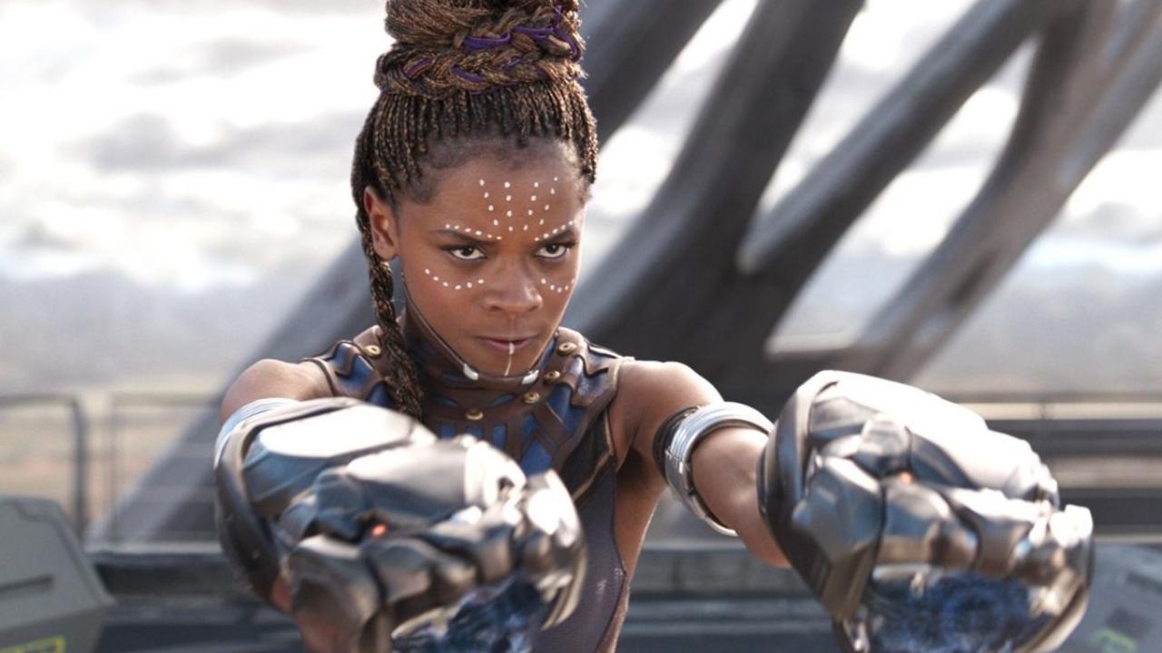 """Letitia Wright nega ter matido discurso anti-vacina nos bastidores de """"Pantera Negra 2"""""""